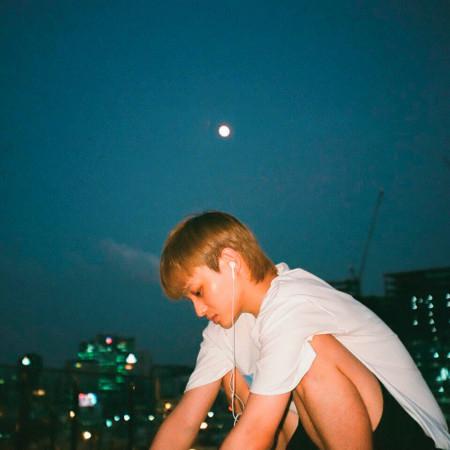 "Gloomy Star (feat. 1ho & Chan) [From ""Airman Morning Diaries #4""] 專輯封面"