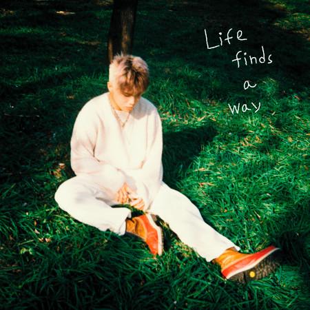 Life Finds A Way 專輯封面